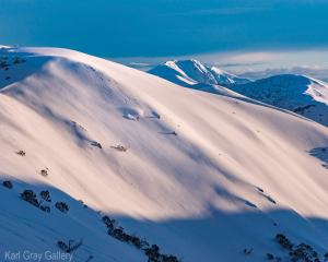 Karl Gray Gallery - Razorback Turns Hotham - 97